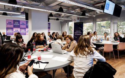 WomenCEO aprendiendo cómo optimizar las herramientas digitales Facebook e Instagram
